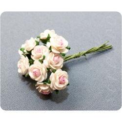 Букетик белых роз со светло-розовой серединкой, 10мм
