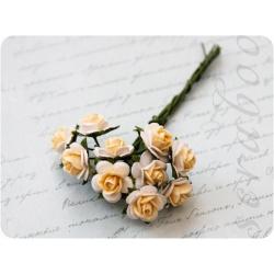 Букет белых роз с желтой серединкой, 10 мм, 10 шт